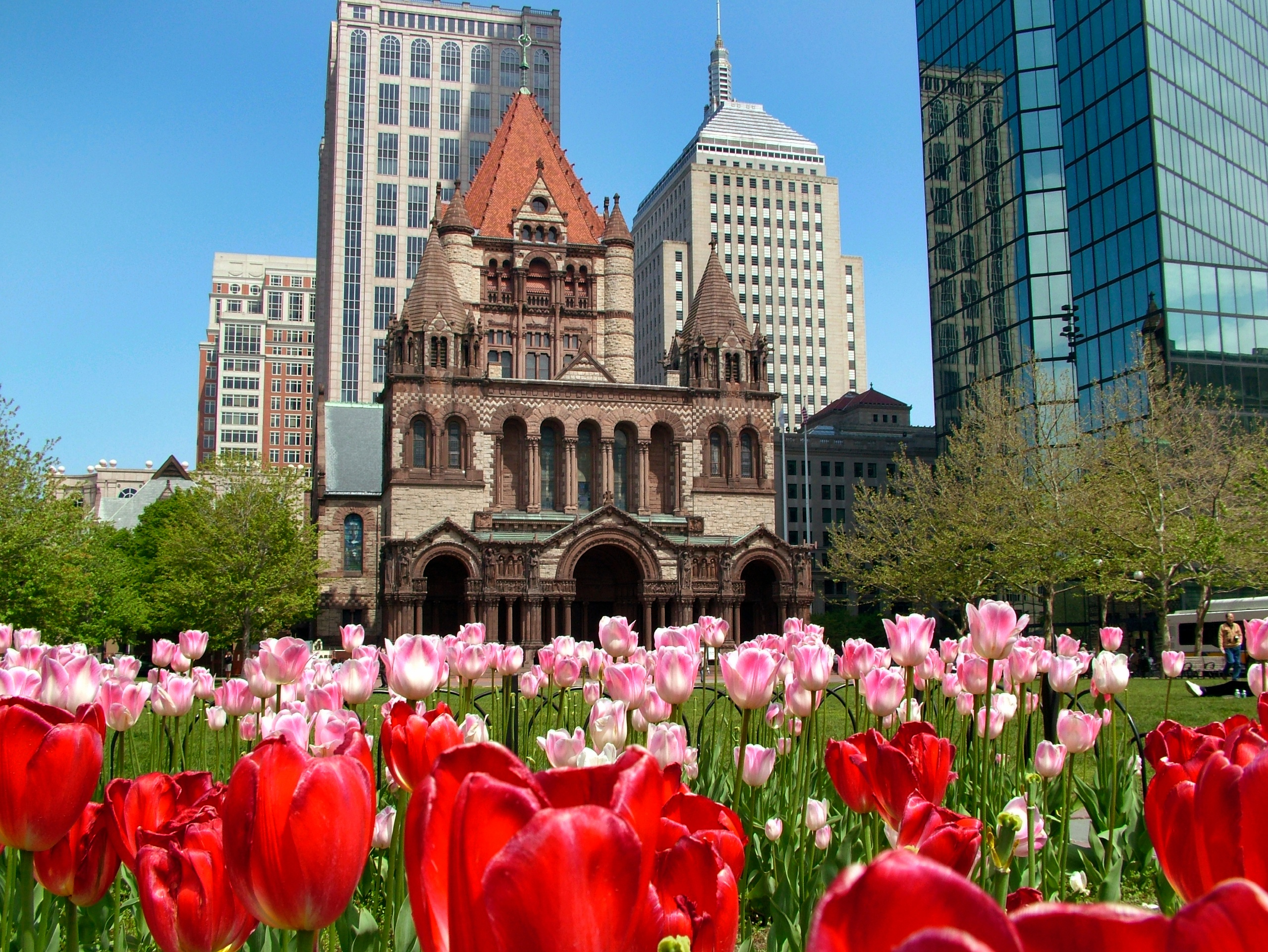 Trinity-Church,-Copley-Square,-Boston-USA-000052280956_Large